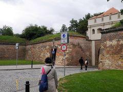 確かに城跡公園のターボル門が目前に・・