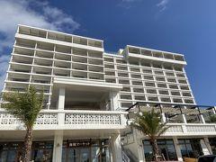 立派なリゾートホテルです。 お店やレストランもあります。