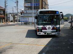 江津駅からのバスは、このようなバスでした。 これで、石見川本まで向かいます。