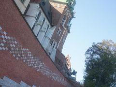 しばらく歩いて、ヴァヴェル城に到着しました。