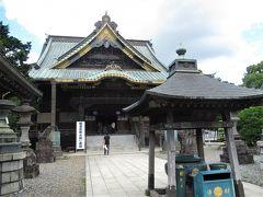 かつての大本堂だった釈迦堂も迫力がありました。
