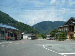 バスの中から。 より正確には、「旧」川戸駅前ですが。