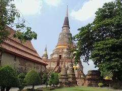 ①定番観光スポット 第2位「ワット ヤイチャイモンコン」。 何と言っても本堂裏にある大きな仏塔が美しいです。