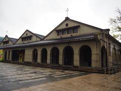 雑誌に載ってる松山文創園区はこの倉庫跡のイメージが強いけど、どの建物も良い感じですね