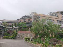兵庫県明石市の料理旅館「人丸花壇」  高級料亭です☆  母の日用のお弁当を  3日前に予約して取りに行きました(^^)