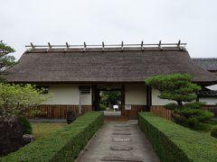 丹波篠山4文化施設の共通チケットというものがあり、4館で1,200円の所、共通チケットは600円で購入できます。迷わず購入。 ちなみに青山歴史村単館の入場料は、300円です。
