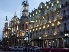 夜のホテル・イングラテラHotel Inglaterraとハバナ大劇場Gran Teatro この左側が中央広場です。
