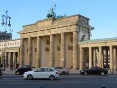 さらに奥に進み、ブランデンブルク門!