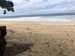 波が激しいが、それでもいつもより穏やか