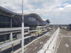 4月某日。仙台空港。  仕事で仙台空港へ行きました。大型連休直前だというのにこの閑散さ。