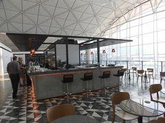 最終日5日目は帰国。 香港空港 カンタスラウンジ