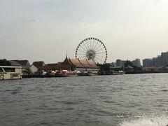 シャトルボートに乗ってチャオプラヤー川をクルーズ・・