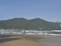 ミーケービーチです。 新コロの関係か、観光客ほとんどいません。