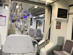 マドリード市内に行きます。 電車はガラガラ。 朝からマドリード観光に行きます!