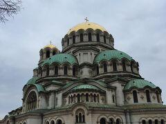 そして見えてきましたアレクサンドル・ネフスキー寺院。ソフィアに来たらここは外せません。