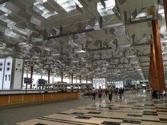 11:00に到着。まずはターミナル3を散策。