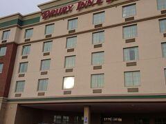 セントルイスでは走ってみつけた高級モーテル(ドゥルーリー イン&スイーツ セントルイス ニア フォレスト パーク)に飛び込みで宿泊。このチェーンはなかなかよいので、ピッツバーグでも泊まることにした。