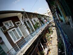 【ベトナム最大の中華街:チョロン Cho Lon】  「チョロン」は中華街の通称らしく、ホーチミン市西部の5区から6区にかけて広がるエリアを指すとの事です。