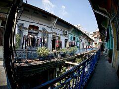 【ベトナム最大の中華街:チョロン Cho Lon】  18世紀後半より華僑が集住して形成された街で、この一帯の沼地を開拓して発展したといわれています。