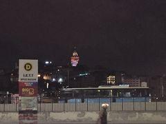 エミノニュまで1時間もかかりませんでした。ガラタ塔が見えるところで降車。
