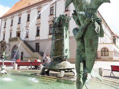 2002年のホルニー広場の改築時に作成せれたアリオンの噴水。
