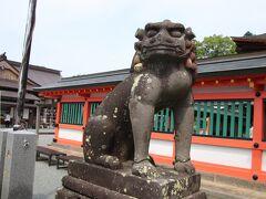 正門前の狛犬