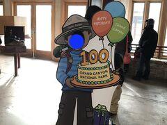 朝ごはんを済ませたら再びシャトルバスでビジターセンターへ。 2019年はグランドキャニオン国立公園100周年の記念すべき年でした。