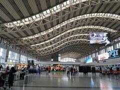 ようやく第1ターミナルに到着。 成都の空港は第1ターミナルが国際線(四川航空は国内線もあり)、第2ターミナルが国内線専用となっているようです。