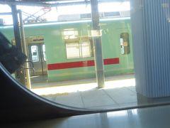 柳川駅には以前に熊本から水郷巡りの船に乗りに来た事があります。 その時に大牟田駅で乗り換えをせずに、行きと帰りをそれぞれ別の駅にして、 JRの吉野駅と西鉄の倉永駅、JRの渡瀬駅と西鉄の関駅で歩いて乗り換えて、4駅を利用したのを思い出しました。