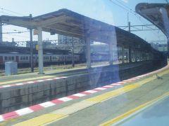 終点の大牟田駅に到着です。甘木駅とは違い同じ場所に駅があるので、乗り換えは陸橋を渡るだけでした。
