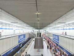 南京復興站もそうですが、台北の駅は路線ごとに色で分かれているので分かりやすいですよね。