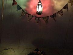 夜のテント内は素敵な雰囲気