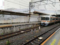 飯田線豊川行きの列車。