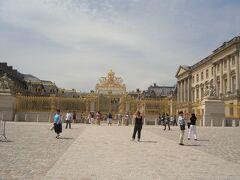 その後、ベルサイユ宮殿の半日観光へ。