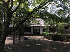 旧小坂家住宅です。 信越化学工業などの創業者にして、元衆議院議員小坂順造氏の別邸だそう。