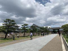「四天王寺」から天守閣を中核に据えた都市公園・大阪城公園にむかいました。