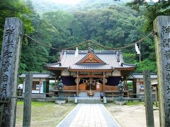 「白山比咩神社」  このあたりは急いでたのでパパパっと見ただけ…。 静かな雰囲気が素敵だったので写真だけ撮りました。