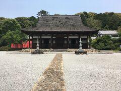 2<初山・宝林寺> ぱっと見、日本の寺院には見えないでしょう? これは、中国風寺院の黄檗宗「初山・宝林寺」。 この「仏殿」は「明朝様式」を今に伝える貴重な伽藍で、国の重要指定文化財となっています。 ※1667年(寛文7年)建立 ※拝観料(400円)
