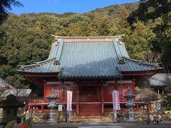 37<大福寺 本堂> 朱塗りの本堂に安置されているのは、鎌倉時代に造像された秘仏の「瑠璃光薬師如来坐像」。他にも「聖観世音菩薩」・「千手観音菩薩」がいらっしゃるとのことですが、残念ながら扉がしまっていて拝観できず・・・。