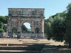 【コンスタンティヌス帝の凱旋門】 315年に建てられたもの