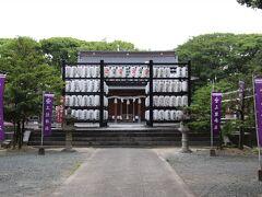 立花宗茂と正室ぎん千代および岳父戸次道雪の三人をお祭りしている神社です。