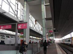 と言うことで、ゲント駅に到着です。10時55分。  ブリュッセル南駅を出発したのが10時26分。列車で約30分。