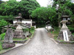 建水分神社は昔から金剛山の鎮守、また、楠木氏の氏神として崇敬されています。千早赤阪村の中でも有名な観光スポットで、この日も参拝客の姿がありました。