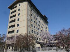 15:05  本日宿泊するホテル『ルートイングランティア飛騨高山』に到着。5,650円のポイント先引きで5,090円で宿泊出来ました。朝食付きです。