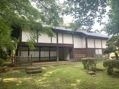与力番所。江戸時代初期の建てられたと考えられる弘前城の番所としては唯一の遺構。