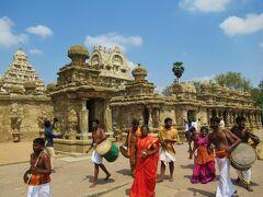 カーンチープラム最古のヒンドゥー教寺院の一つ「カイラーサナータル寺院 」に向かいます