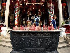 【ホイアン旧市街地のお寺】  まあ、いうなれば「道教寺院」ってやつですね。