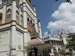Saltan Mosque    優美なモスクです。 今回は中に入らずに外から見ました。