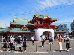 延期になったTOKYO2020を見越して、リニューアルされた小田急片瀬江ノ島駅 竜宮城のイメージをそのまま残しています (ただ駅構内の工事は進行中でした) 金属屋根は勤務する会社の製品なんです