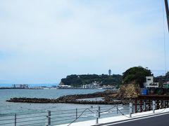 鎌倉高校前駅へ向けてぶらぶらと歩いていくと、海風が心地良いですね 久し振りに海を見たような気がします 江の島とシーキャンドルが、正しくケーキとロウソクだと思います